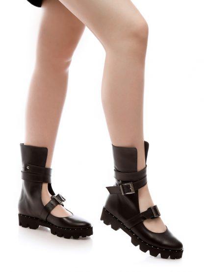 Gheata Caroline ghete la comanda online piele GEMELLI dama sport casual Constanta Romania Pantofi la comanda lucrati manual din piele naturala disponibili pe orice culoare Comanda Online dintr-o gama variata de modele Configureaza-ti noua pereche de Ghete Descopera colectia ghete sport casual