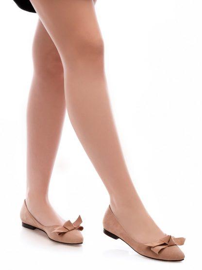 Balerini Theresa Beige pantofi incaltaminte la comanda dama femei Constanta Romania Pantofi la comanda lucrati manual din piele naturala disponibili pe orice culoare Comanda Online dintr-o gama variata de modele Configureaza-ti noua pereche de incaltaminte si fii la moda Descopera noua colectie de balerini cu funda